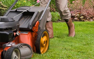 benefits of Richmond Hill lawn mowing